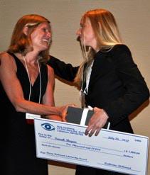 Sarah accepts award